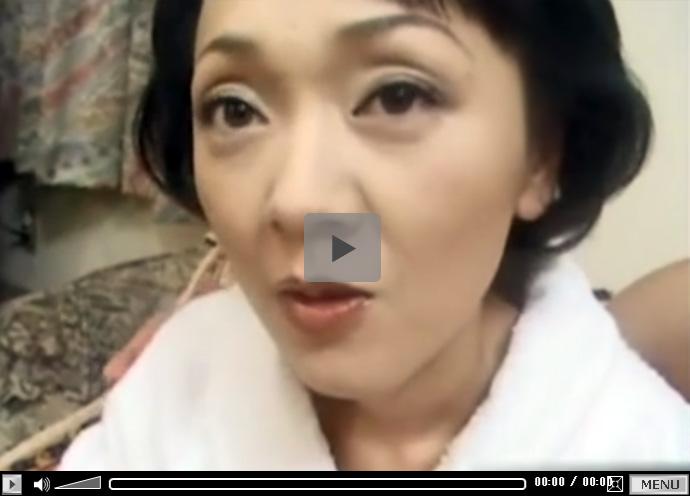 【ひとずま無修正動画】スレンダーな五十路熟女がカチカチのチンポを膣の奥深くまで突っ込まれ控えめに喘ぐw