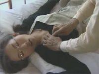 【ひとずまセックス動画】74歳の絶倫ジジイが恋心を抱く介護ヘルパーを昏睡させて中出しレイプw